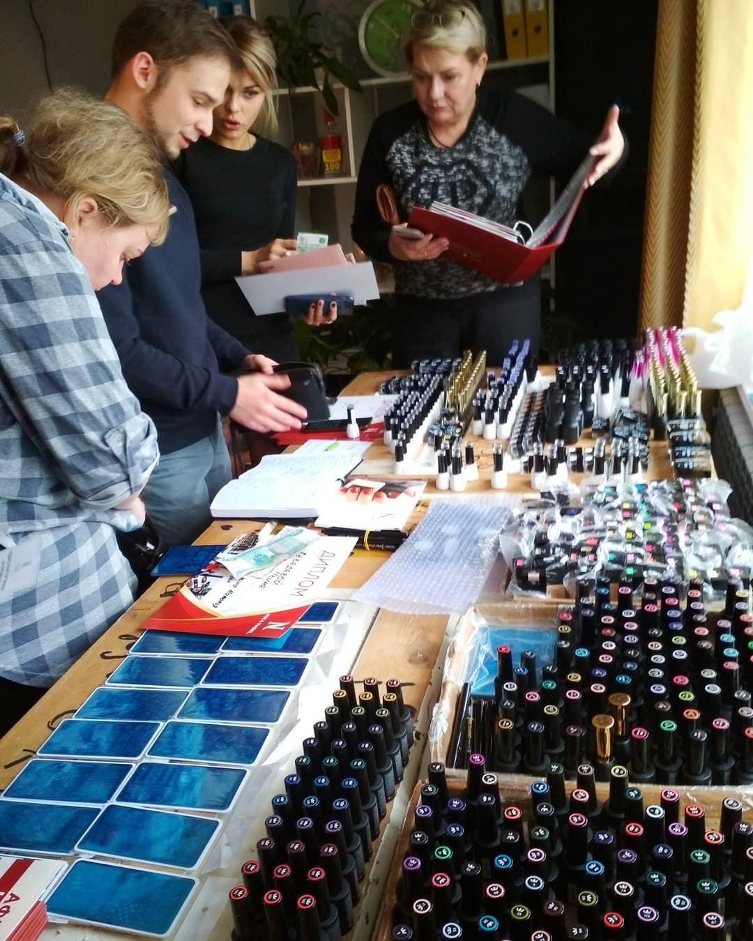 Завершается презентация от производителя товаров ногтевой красоты Nika Nagel?  #nikanagel #orel #коворкингвОрле #бьютиковоркинг
